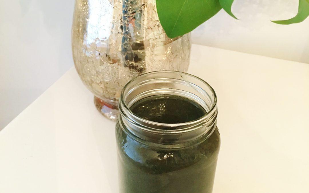 My New Favorite Smoothie: Dark Green Smoothie